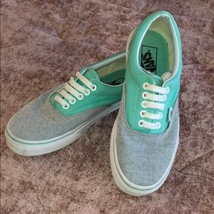 RARE like new • VANS seafoam green and gray